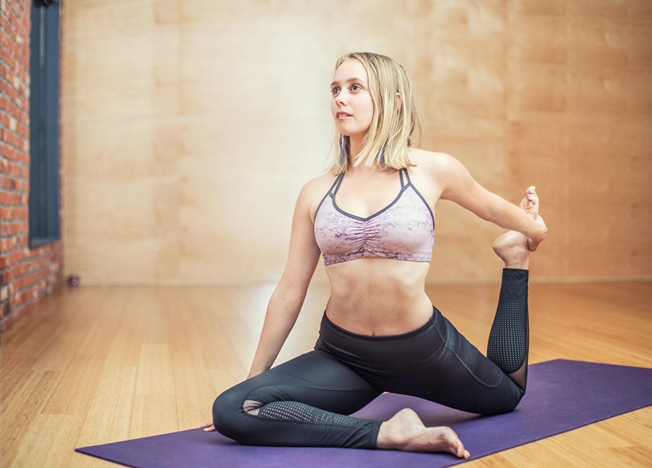 Fotos von Blondine Yoga Fitness junge frau sportliches Blond Mädchen Joga Sport Mädchens junge Frauen