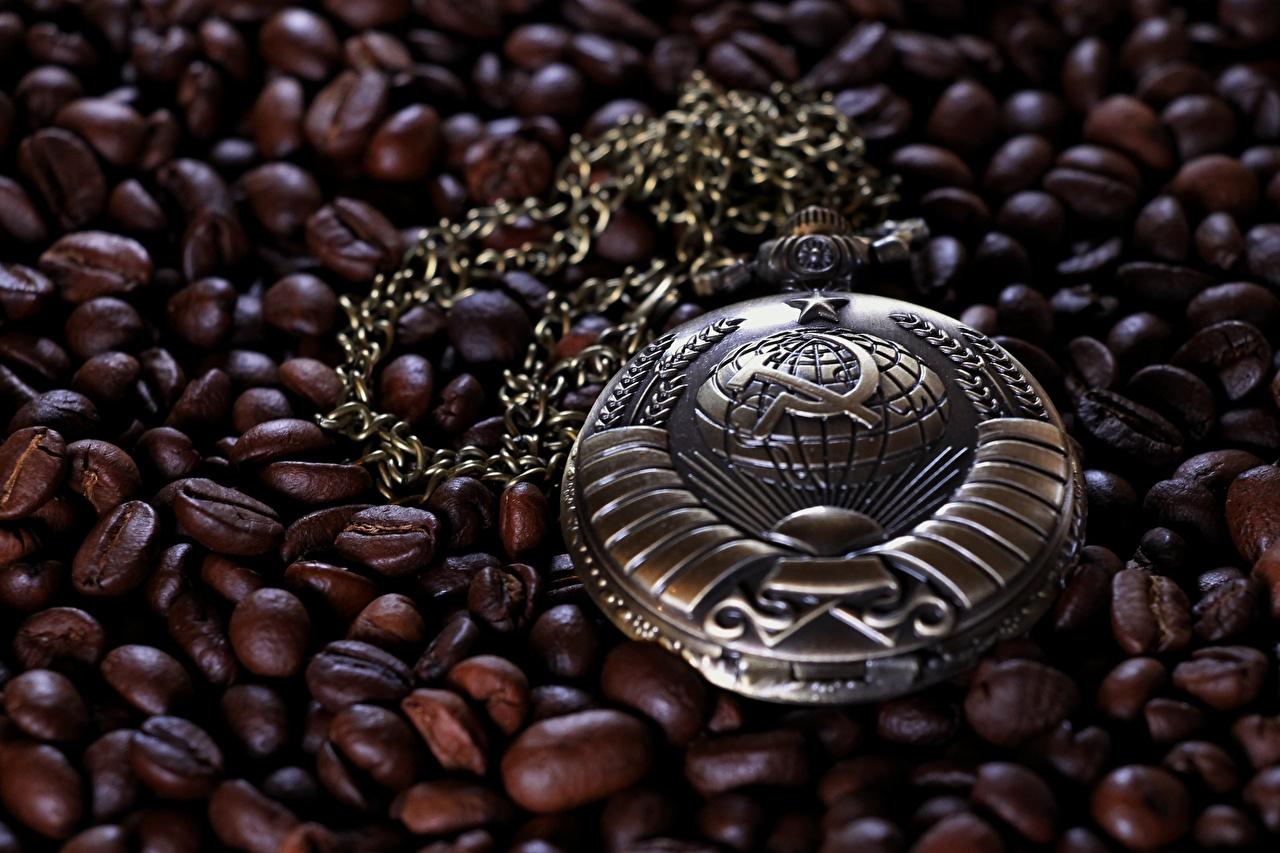 Desktop Hintergrundbilder Taschenuhr Sowjetunion Hammer und Sichel Uhr Kaffee Getreide UdSSR