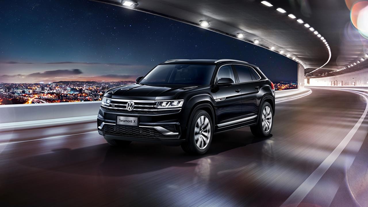 Achtergrond Volkswagen Cross-over auto Atlas 2019 Teramont X Zwart kleur Beweging auto's snelheid rijdende bewegende Auto automobiel