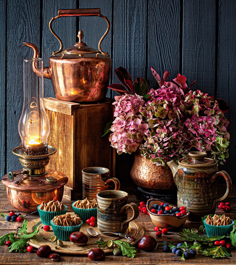 Photo Chestnut Kerosene lamp Kettle Flowers Hydrangea Mug Food Berry Still-life Little cakes paraffin lamp flower
