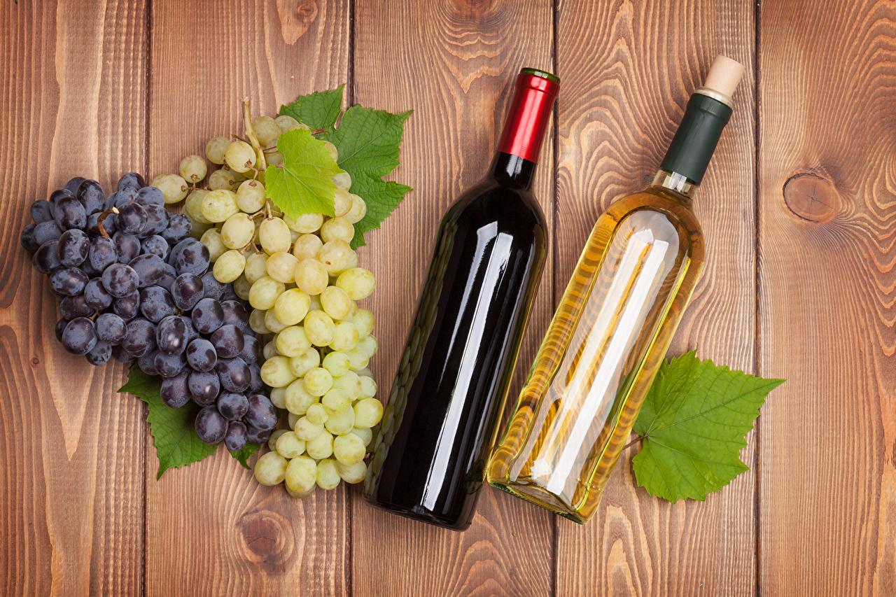 Desktop Wallpapers Two Wine Grapes Food bottles Drinks 2 Bottle drink