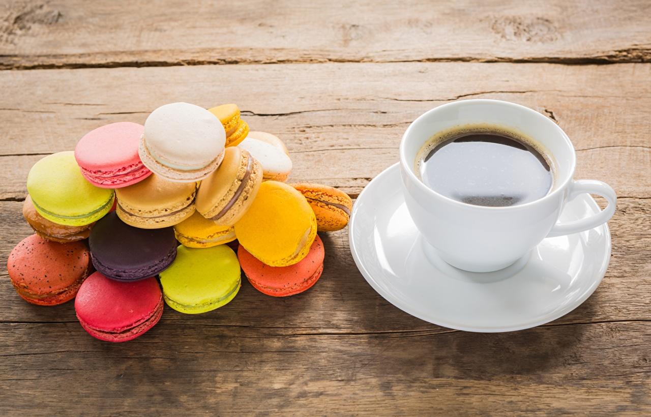 Foto macarons Mehrfarbige Kaffee Kekse Tasse das Essen Macaron Bunte Lebensmittel