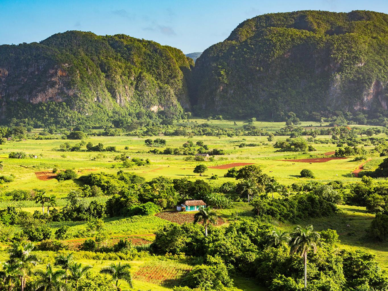 Bakgrundsbilder Kuba Berg Natur En åker slåtteräng fält En äng