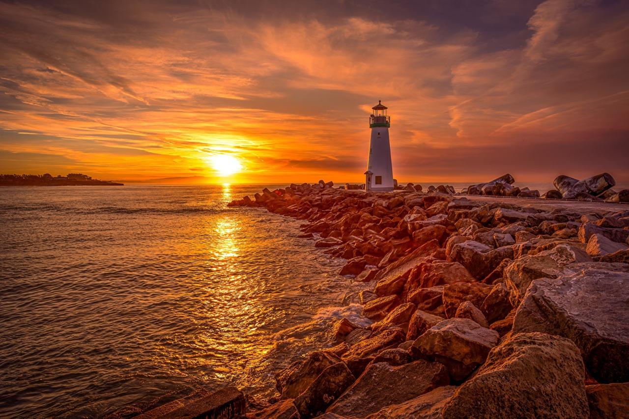 Bilder Santa Cruz, Monterey Bay, Walton Lighthouse Natur Sonne Leuchtturm Morgendämmerung und Sonnenuntergang Stein Küste Sonnenaufgänge und Sonnenuntergänge Steine