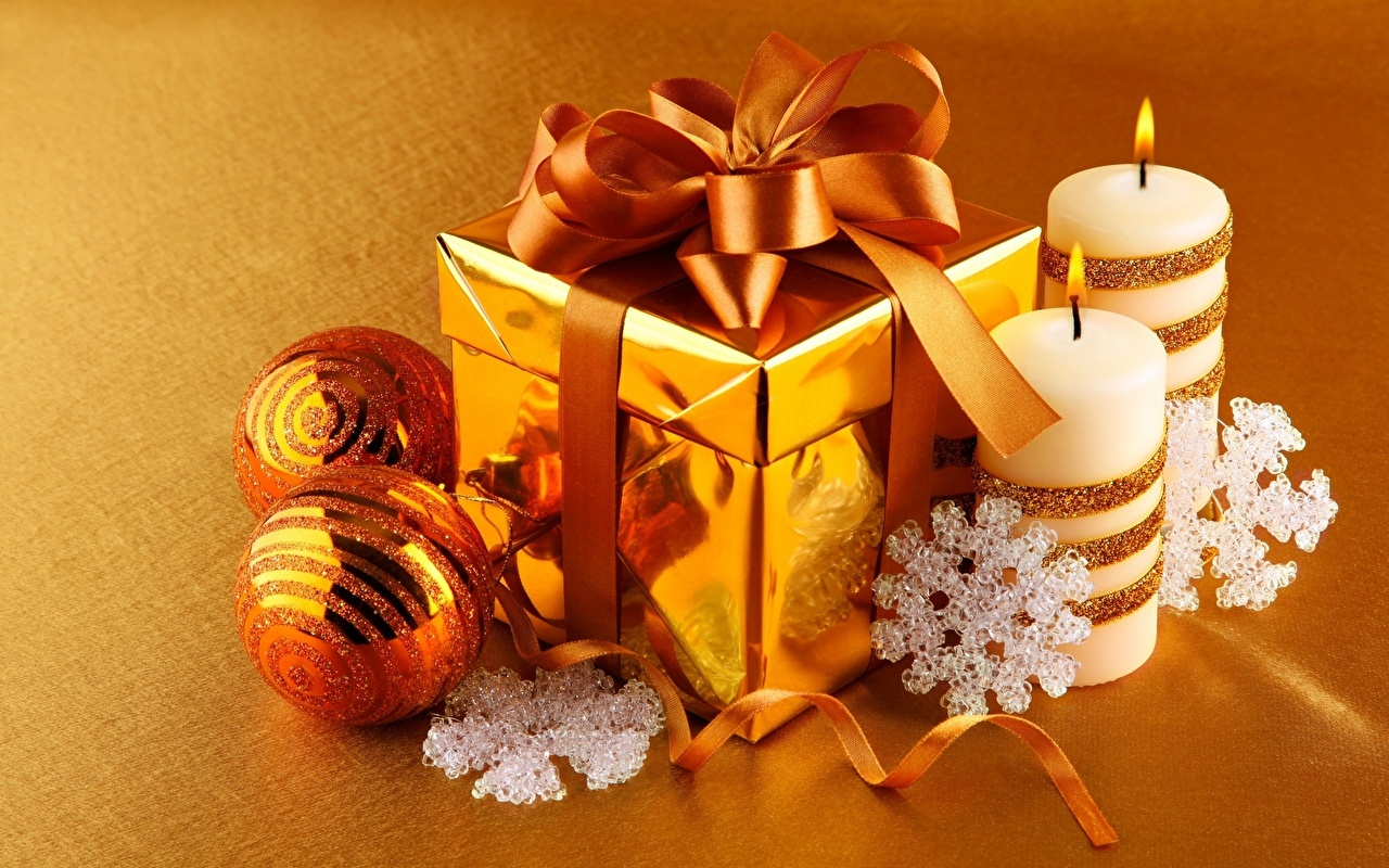 Image Snowflakes Gold color Fire present Balls Candles bow knot flame Gifts Bowknot
