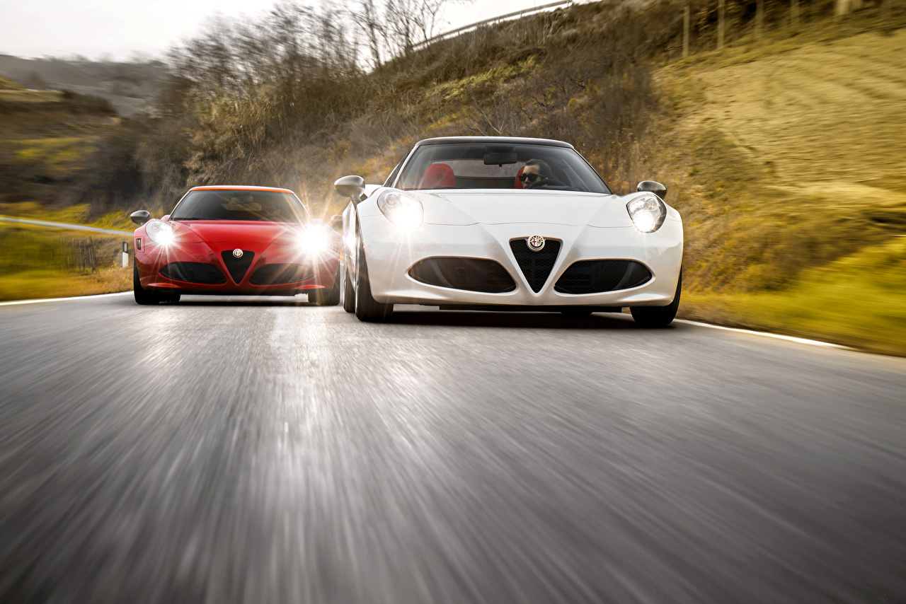 Papeis De Parede 2016 Alfa Romeo 4c Spider Dois Na Frente Movimento Carros Baixar Imagens