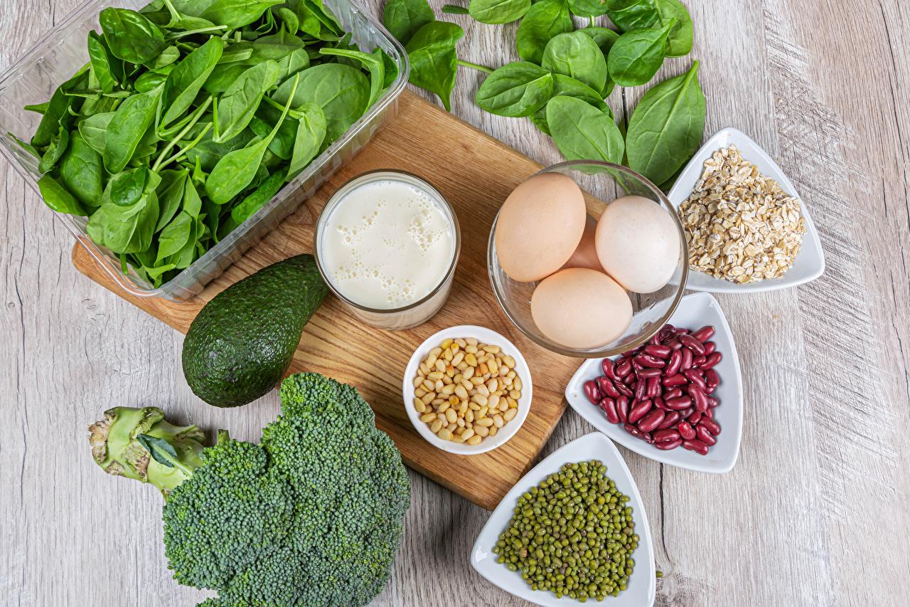 Desktop Wallpapers Milk Healthy eating Beans egg Green peas Avocado Food Muesli Vegetables Cutting board Eggs