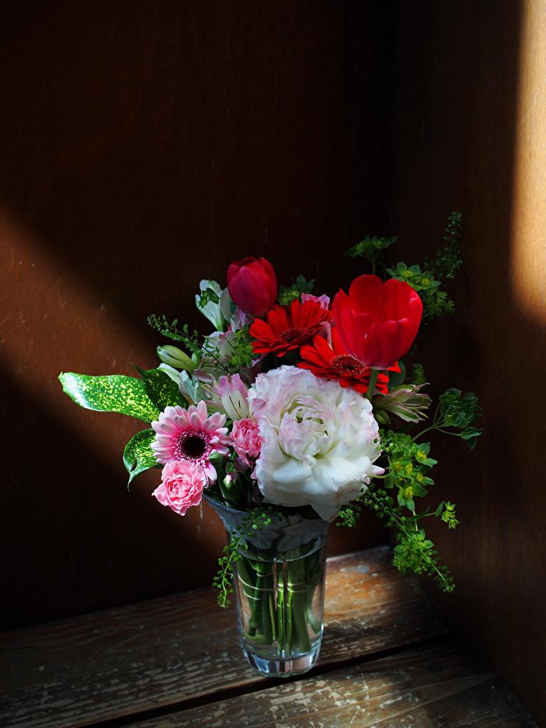 Picture Bouquet Roses Tulip Gerberas Flowers Vase