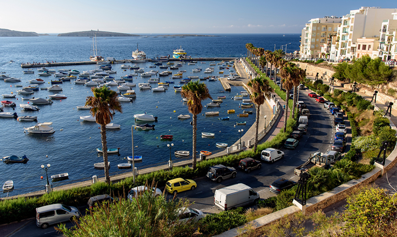 Pictures Malta Sea palm trees Berth Boats Yacht speedboat Houses Cities Palms Pier Marinas Motorboat powerboat Building