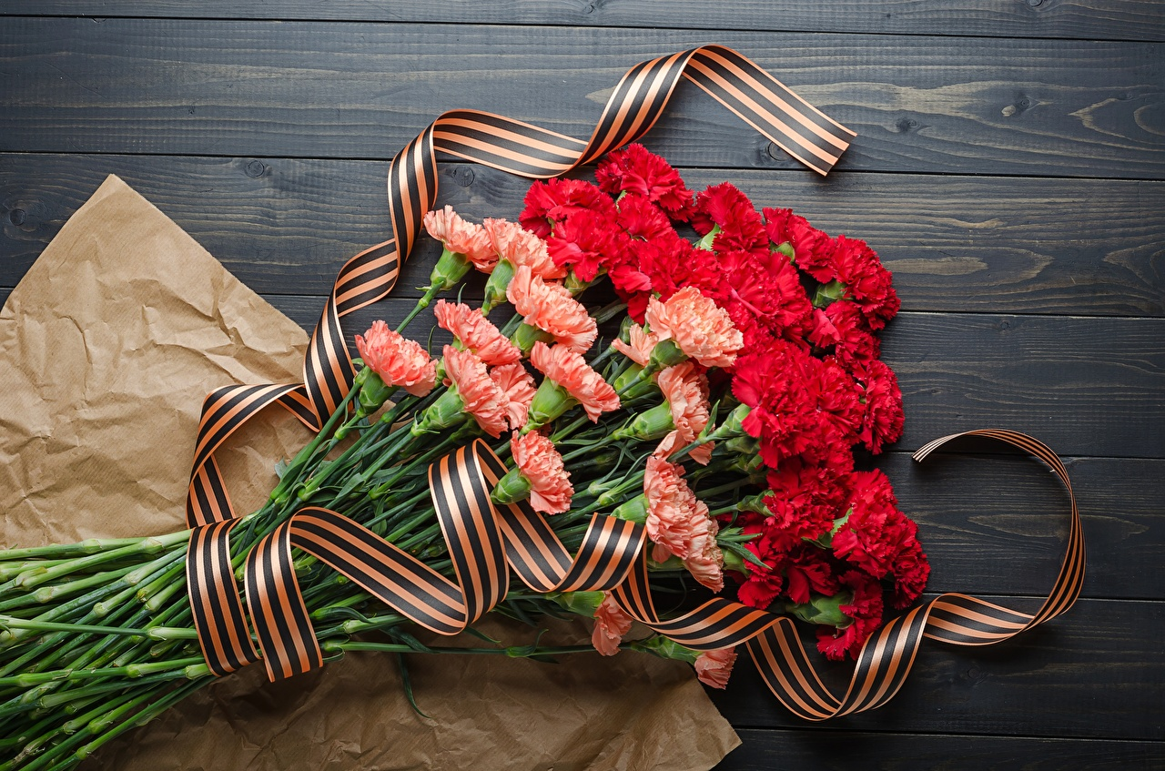 Desktop Wallpapers Victory Day 9 May Bouquets flower Carnations Ribbon bouquet Flowers dianthus