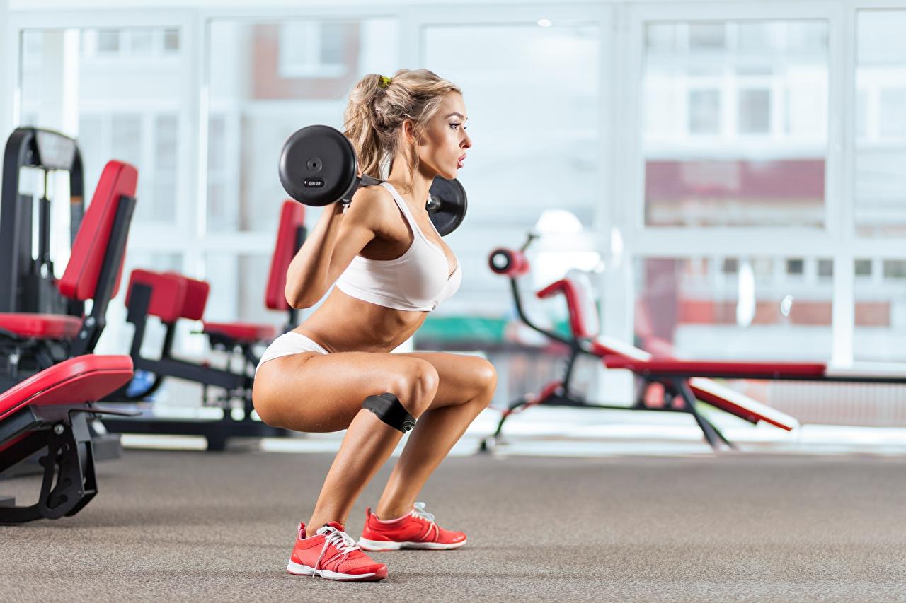 Hintergrundbilder Blondine Fitness Sport Mädchens Hantelstange Bein Blond Mädchen junge frau sportliches junge Frauen