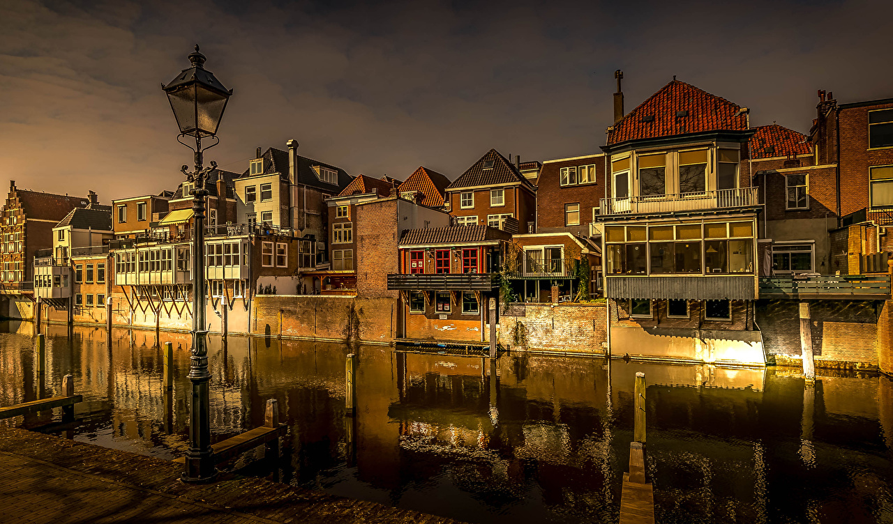 Photo Netherlands Gorinchem Canal Evening Street lights Cities Building Houses