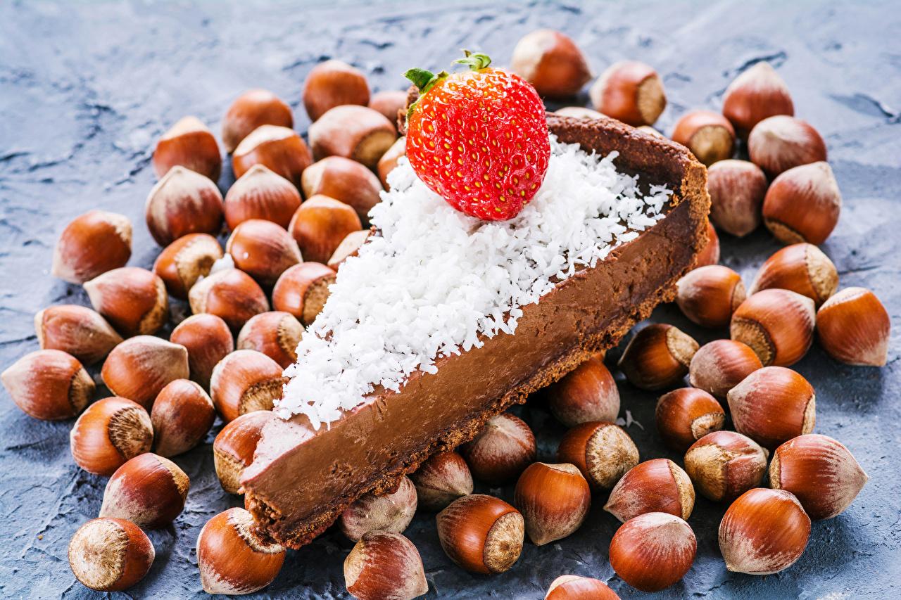 Photo Pie cobnut Piece Strawberry Food Nuts Hazelnut filbert nut pieces