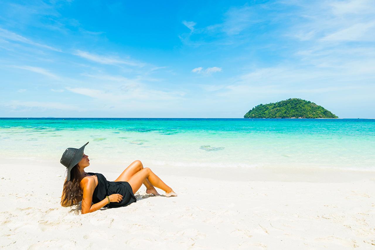 壁紙 海 ビーチ 茶色の髪の女性 帽子 少女 ダウンロード 写真