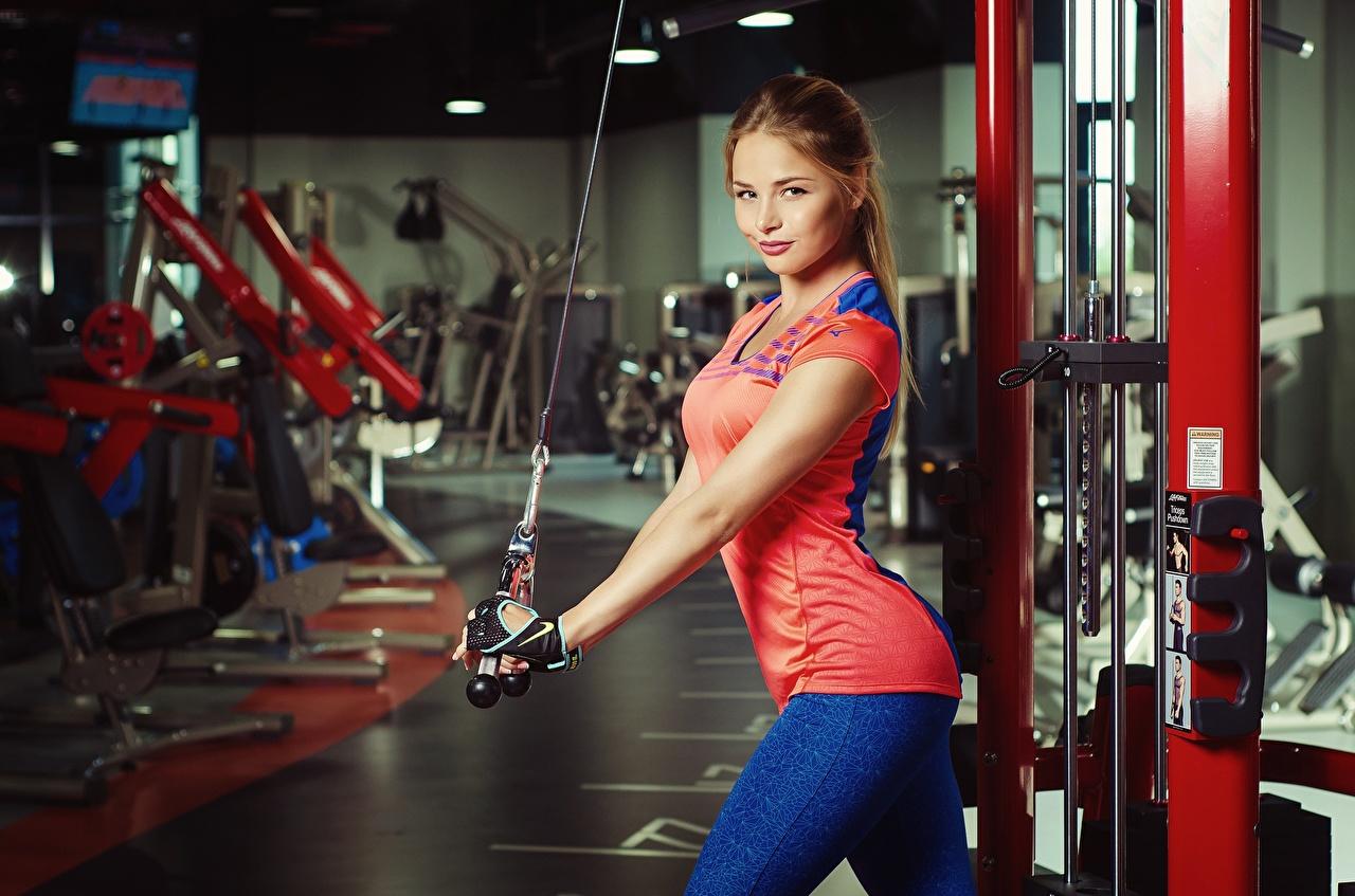 Fitness Nikolas Verano Aux cheveux bruns Belles beaux, beau, belle Filles Sport