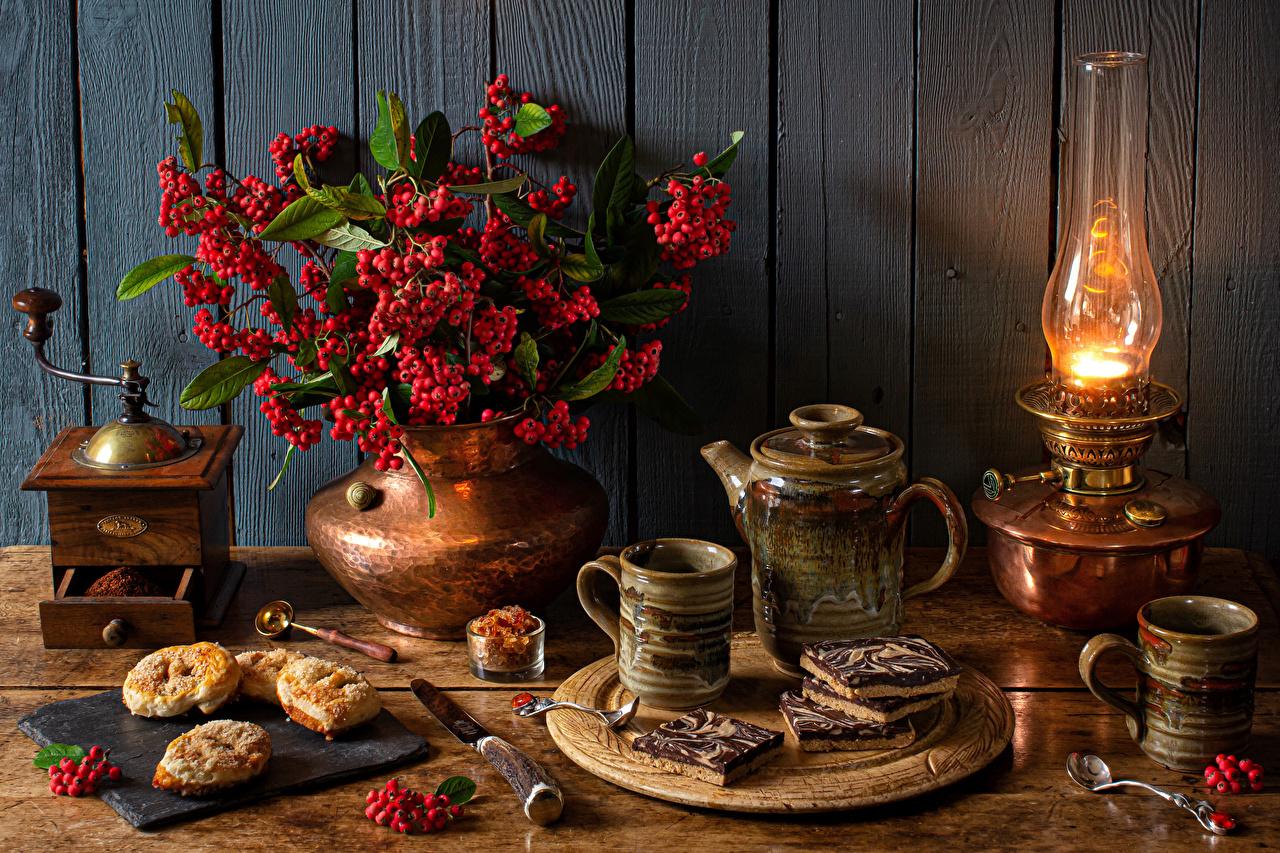 Pictures Knife rowan Kerosene lamp Mug Vase Food Spoon baking Still-life Wood planks Sorbus paraffin lamp Pastry boards