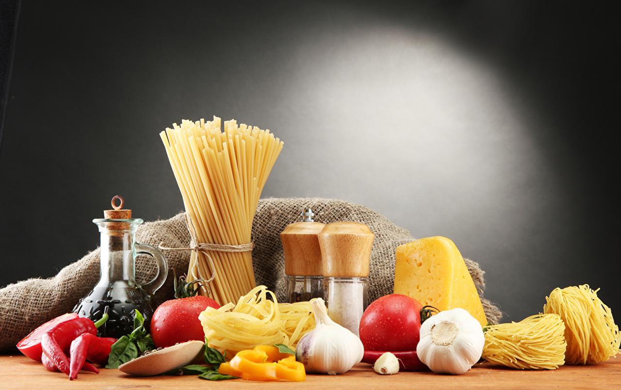 Pictures Pasta Tomatoes Cheese Allium sativum Food Spices Still-life Garlic Seasoning
