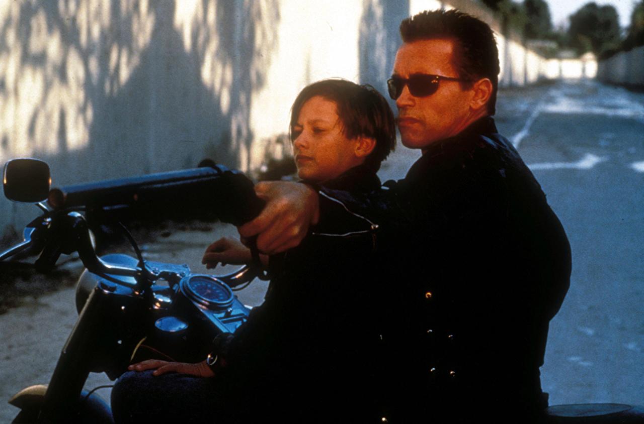 O Exterminador Implacável Arnold Schwarzenegger Caçadeira Homem 2 Filme Celebridade