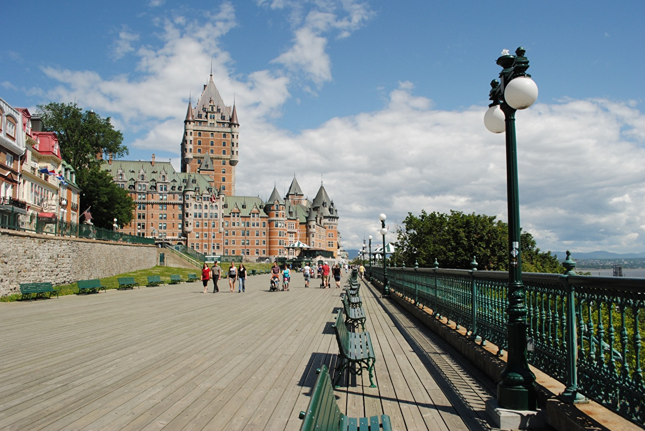 Pictures Quebec Canada Chateau Frontenac Hotel Castles Fence Bench Street lights Cities castle