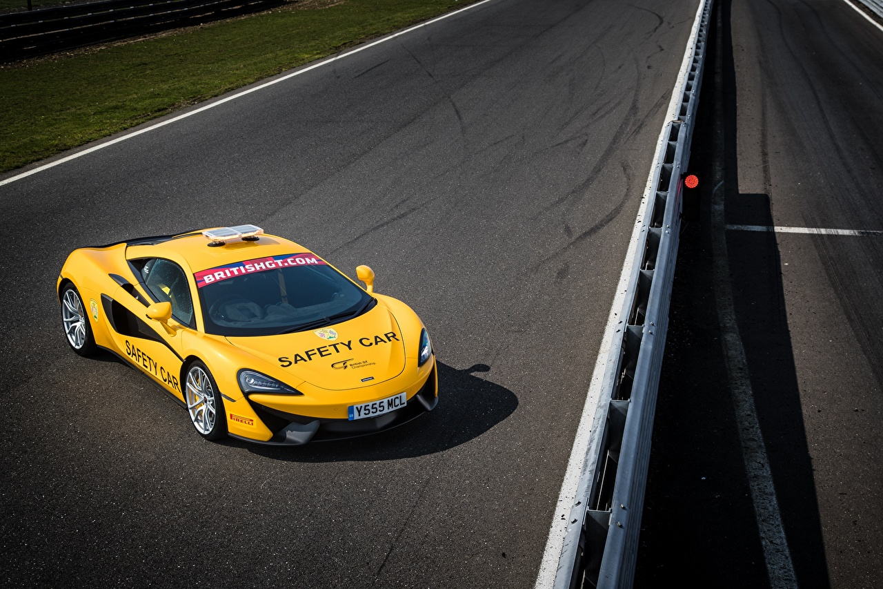 Tapety na pulpit Tuning McLaren 2017 540C Coupe Safety Car Żółty samochód Samochody