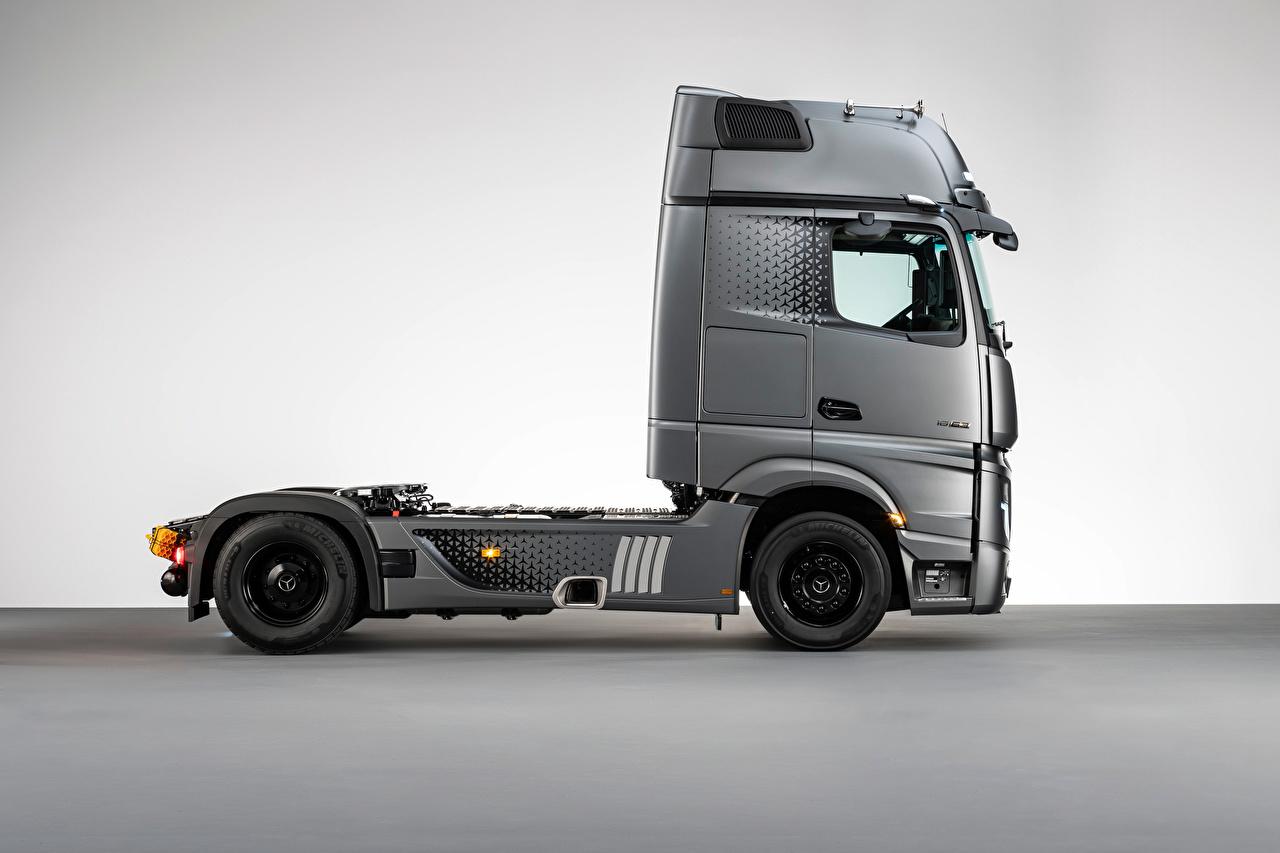 Fotos von Mercedes-Benz Lastkraftwagen graue auto Seitlich Metallisch Grau graues Autos automobil