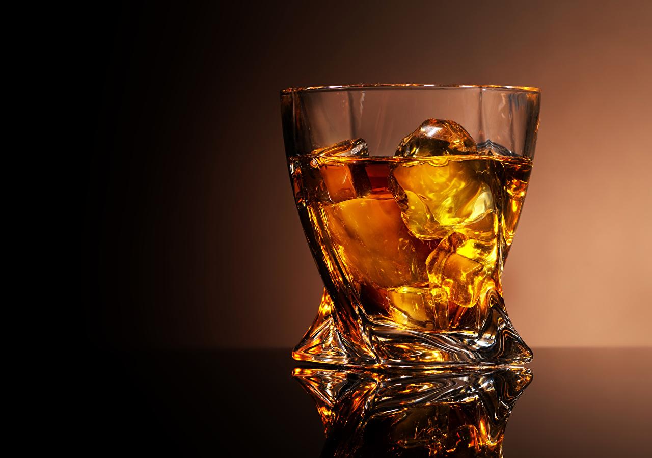 Image Alcoholic drink Ice Whisky Highball glass Food Shot glass whiskey