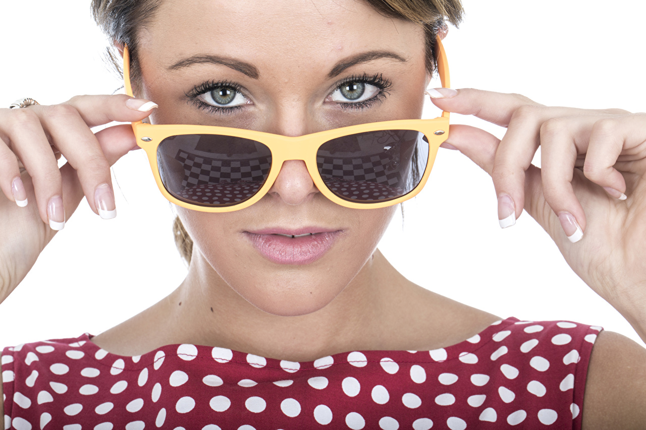 Wallpaper Eyes Face Girls Fingers Glasses Staring White background female young woman eyeglasses Glance
