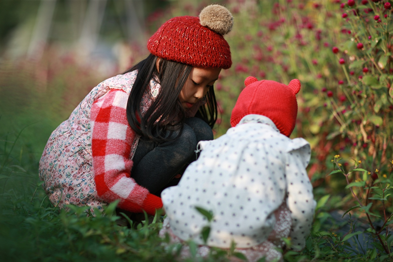 Desktop Wallpapers Little girls Brunette girl Bokeh Beret Children Two Asian blurred background child 2 Asiatic
