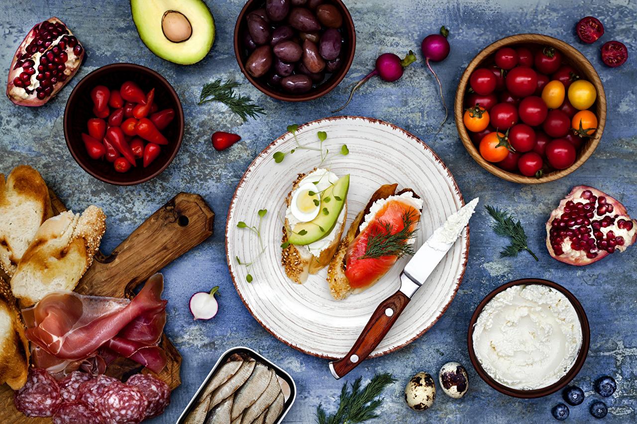 Fotos Messer Ei Zwei Wurst Tomate Oliven Brot Schinken Butterbrot Granatapfel Teller Lebensmittel 2