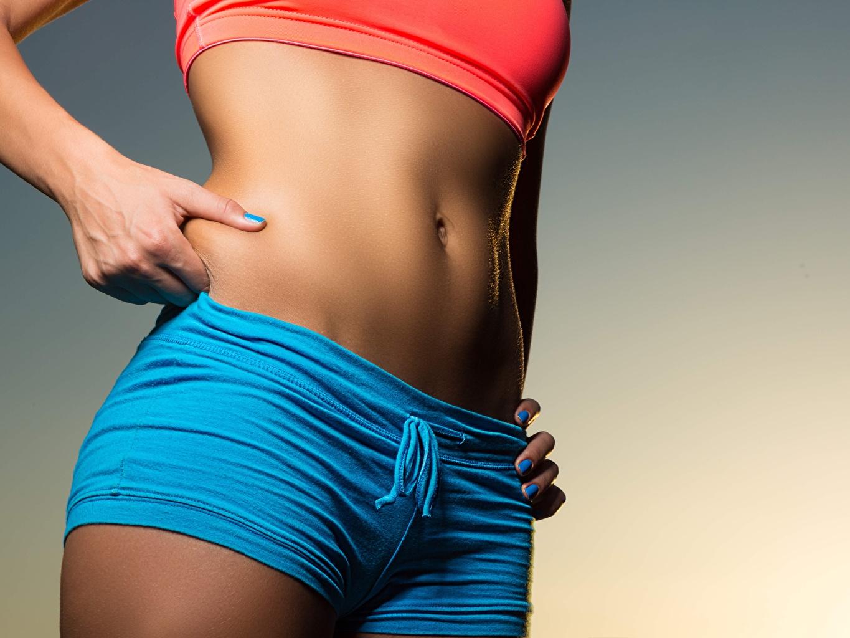 Desktop Hintergrundbilder Diät Schön Fitness junge Frauen Bauch Shorts hautnah hübsch schöne hübsche schöner schönes hübscher Mädchens junge frau Nahaufnahme Großansicht