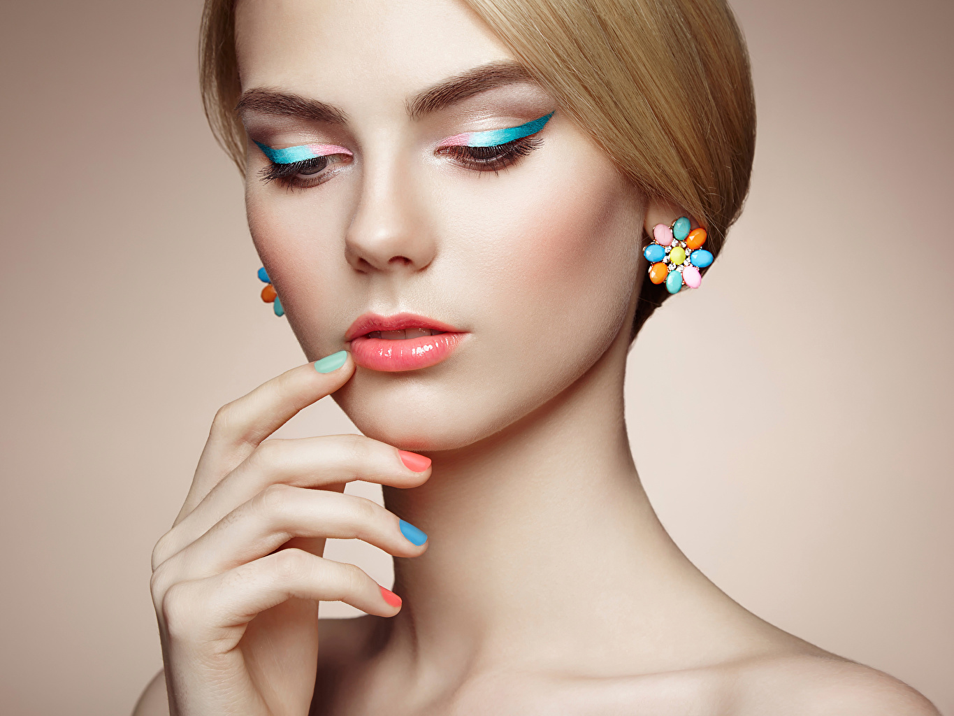Pictures Manicure Oleg Gekman Face Girls Hands Jewelry female young woman