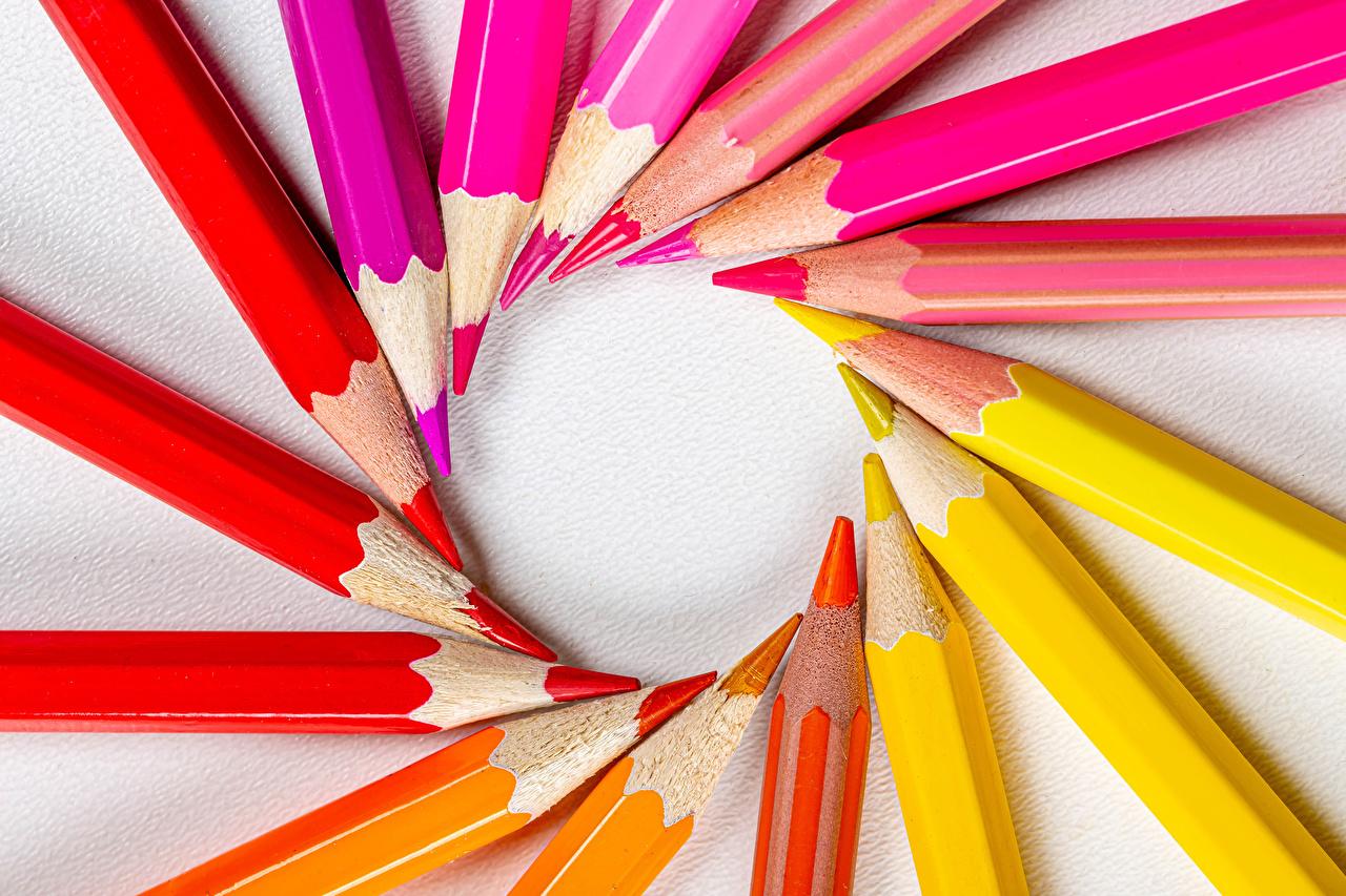 Fotos Bleistift Bunte Rot Gelb Orange Rosa Farbe bleistifte Mehrfarbige