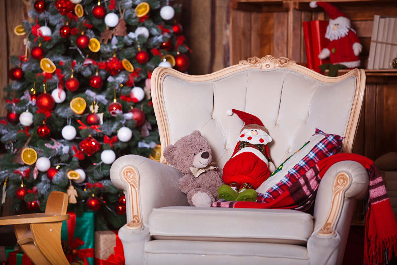 Fotos von Neujahr Tannenbaum Weihnachtsmann Teddybär Sessel Spielzeuge Christbaum Weihnachtsbaum Teddy Knuddelbär