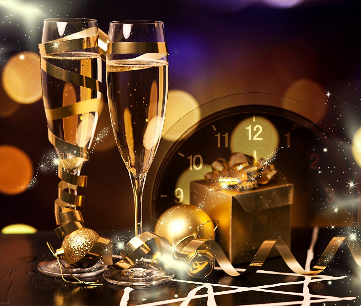 Photo Christmas Champagne present Food Balls Ribbon Stemware Holidays New year Sparkling wine Gifts