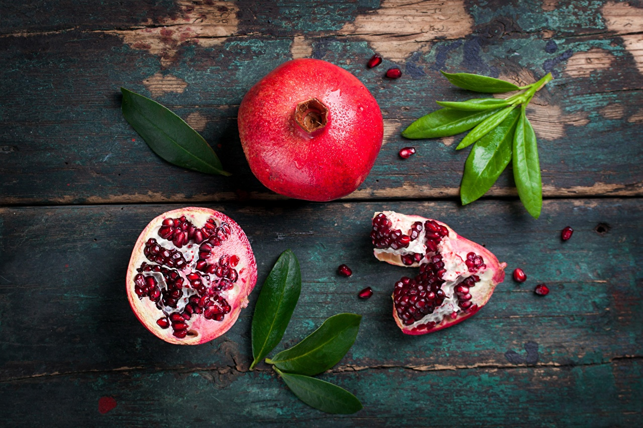 Photos Foliage Pomegranate Food boards Leaf Wood planks
