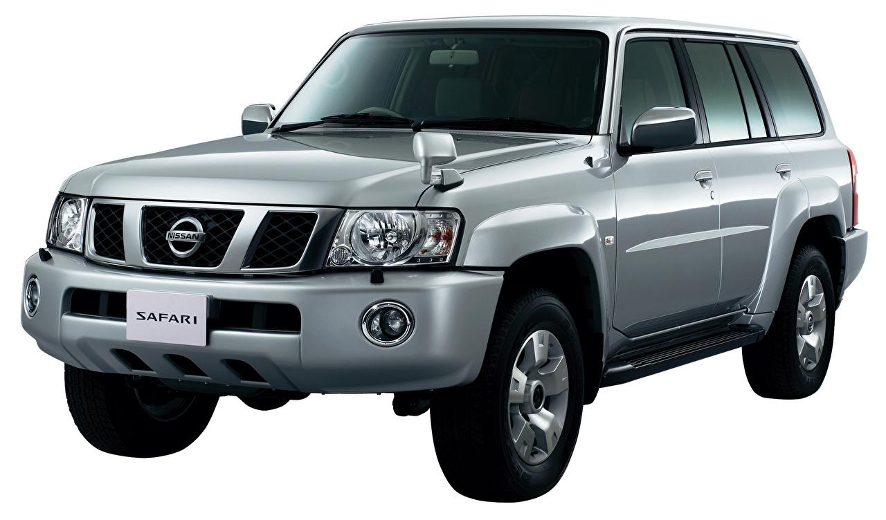 Desktop Hintergrundbilder Nissan Safari, Y61 graue Autos Metallisch Weißer hintergrund Grau graues auto automobil