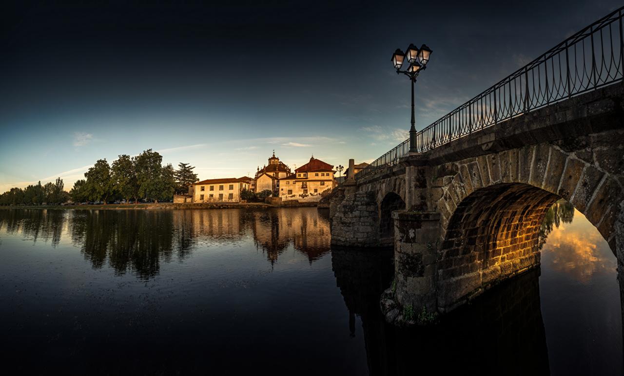Tapeta na pulpit Portugalia Mosty rzeka Latarnia uliczna miasto budynek most Rzeki Domy Miasta budynki