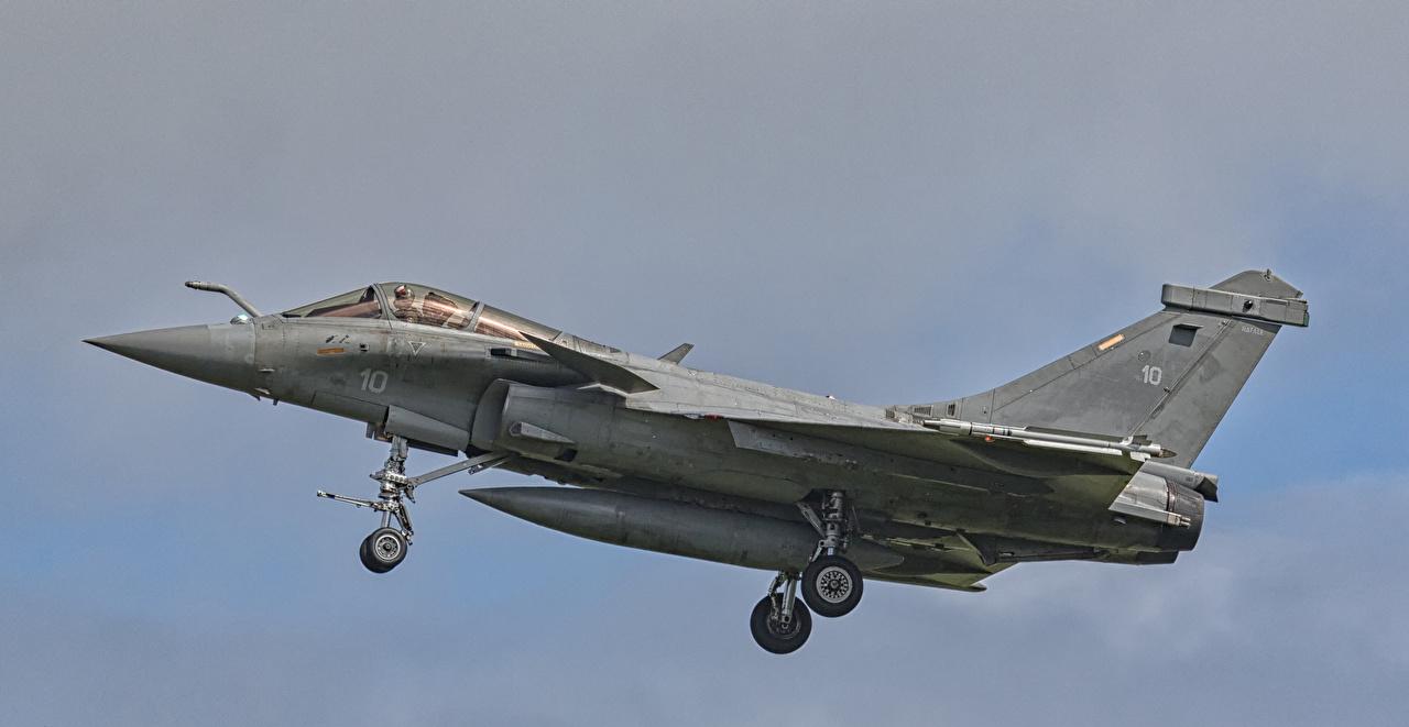 Bilder på skrivbordet Jaktflygplan Flygplan fransk French Navy Dassault Rafale M 10 flygande Luftfart jaktplan Franska flyg Flygning