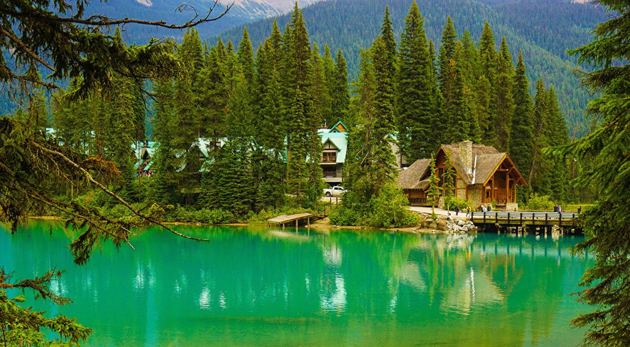 Bilder Kanada Yoho National Park Alberta Natur Fichten Brücken See Wälder Seebrücke Gebäude Bootssteg Schiffsanleger Haus