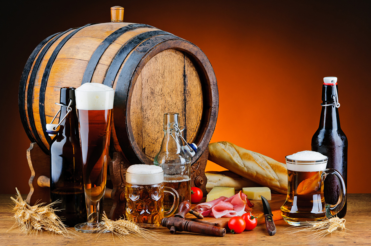 Bilder von Bier Tomate Fass Brot Ähre Schinken Schaum Becher Flasche Lebensmittel Stillleben