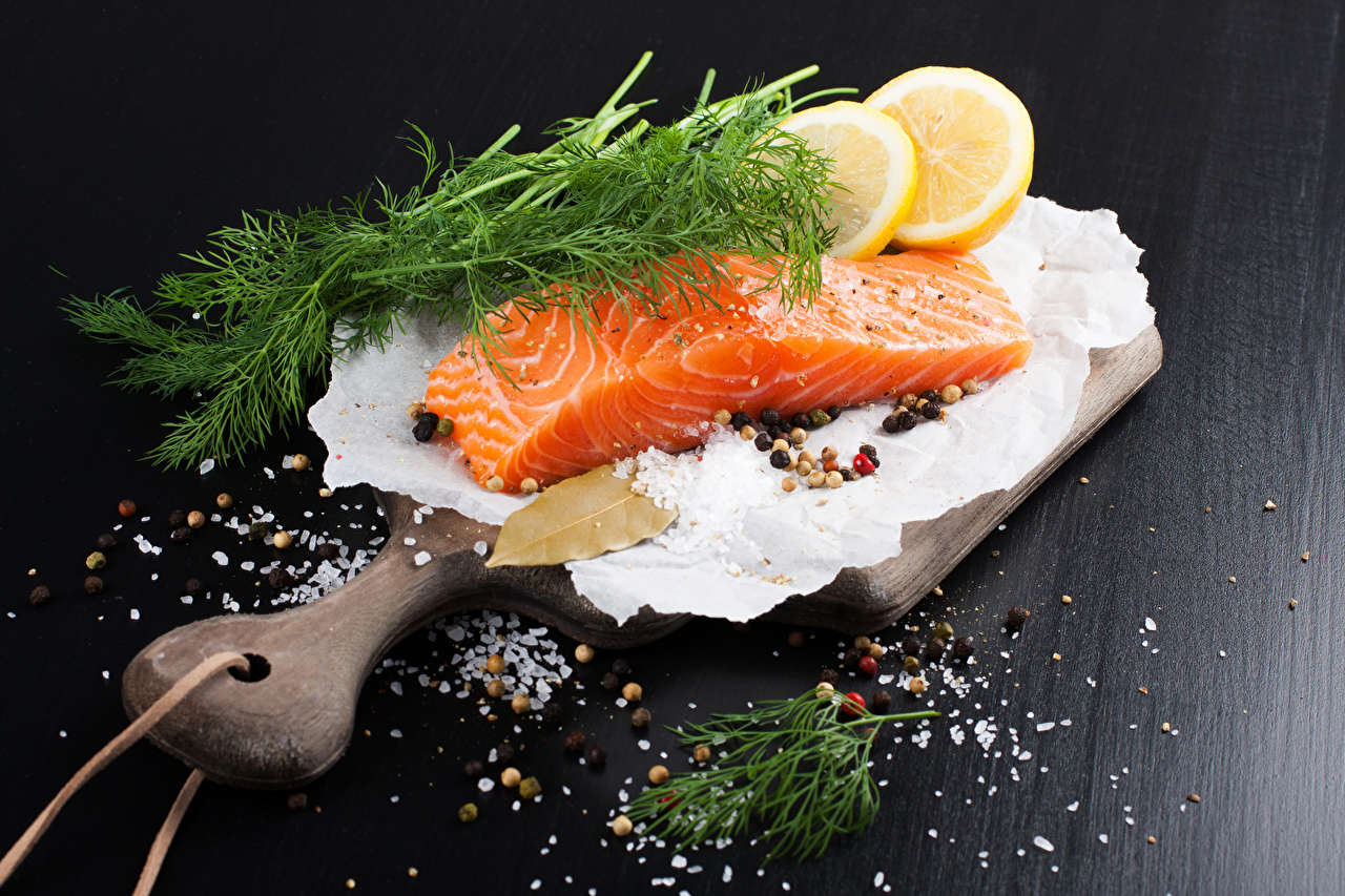Wallpapers Food Dill Lemons Fish - Food Cutting board Salt Salmon Spices Seasoning