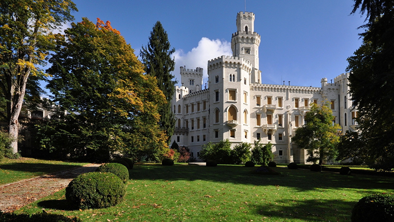 Wallpaper Czech Republic Castles Grass Cities castle