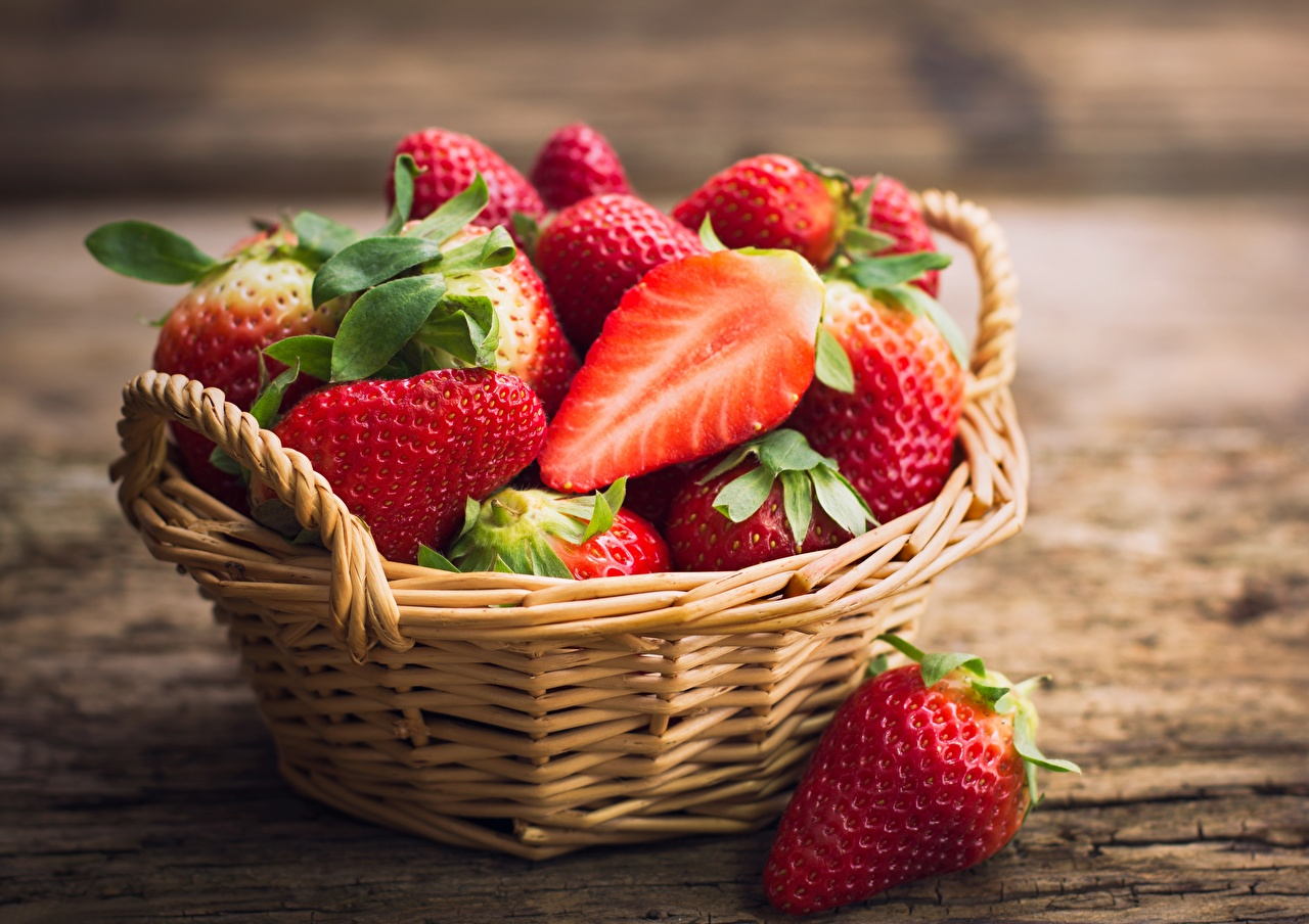 Wallpaper Strawberry Wicker basket Food