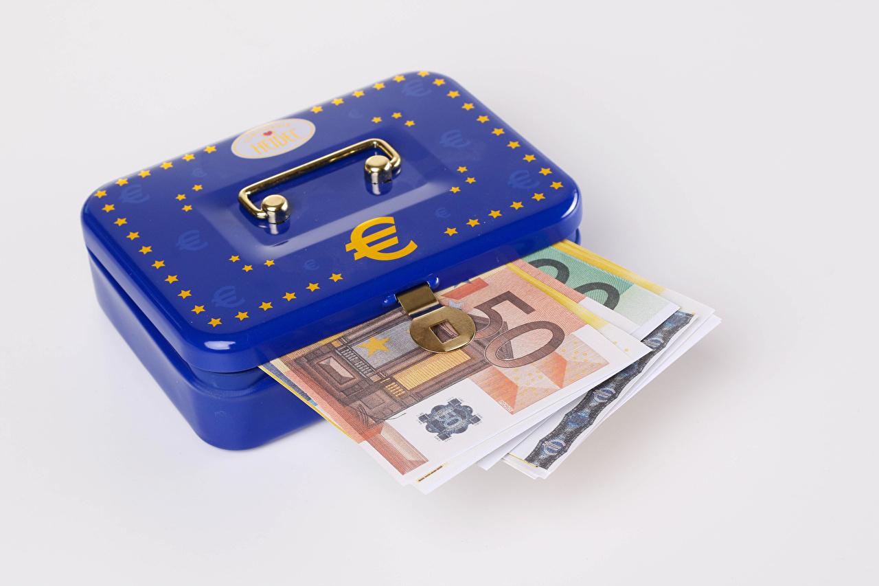 Bilder Euro Banknoten Schachtel Geld Grauer Hintergrund Papiergeld Geldscheine