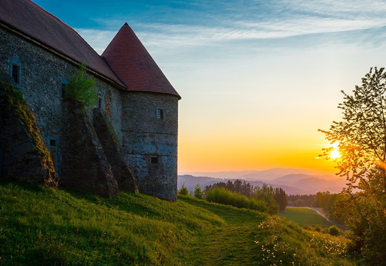 Pictures Ahorn im Mulviertel, Piberstein Castle Trail castle Nature Sunrises and sunsets Grass path Castles sunrise and sunset