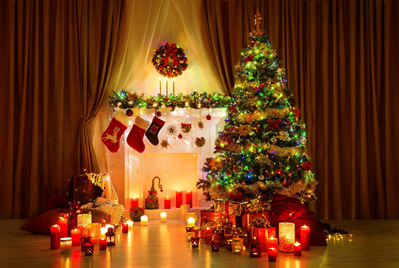 Tannenbaum Mit Kerzen.Bilder Von Neujahr Weihnachtsbaum Geschenke Cheminée Kerzen