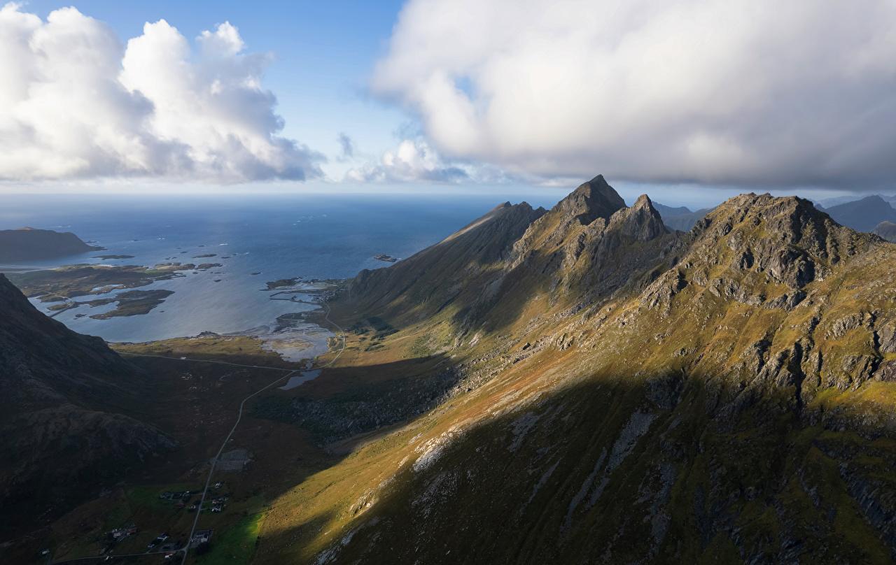 Обои для рабочего стола Лофотенские острова Тень Норвегия Ramberg Горы Природа Облака гора облако облачно