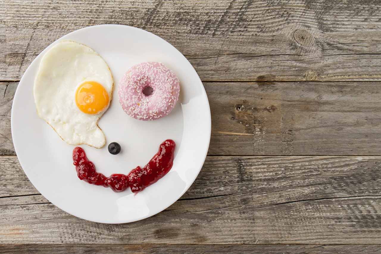 Desktop Wallpapers Smile Fried egg Donuts Breakfast Creative Food Plate Wood planks Doughnut boards