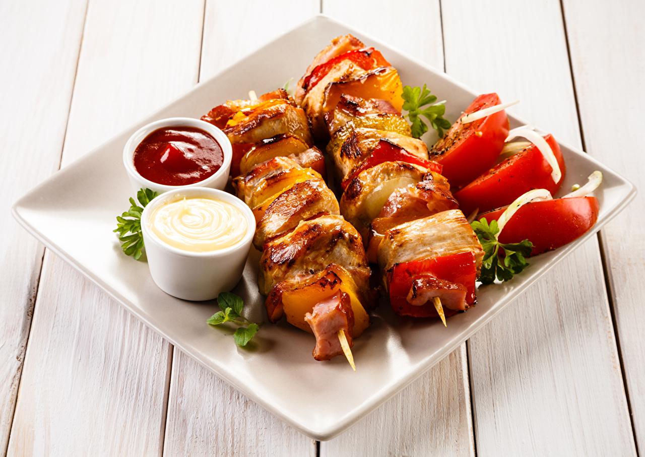 Images Shashlik Ketchup Food Plate Vegetables boards Wood planks