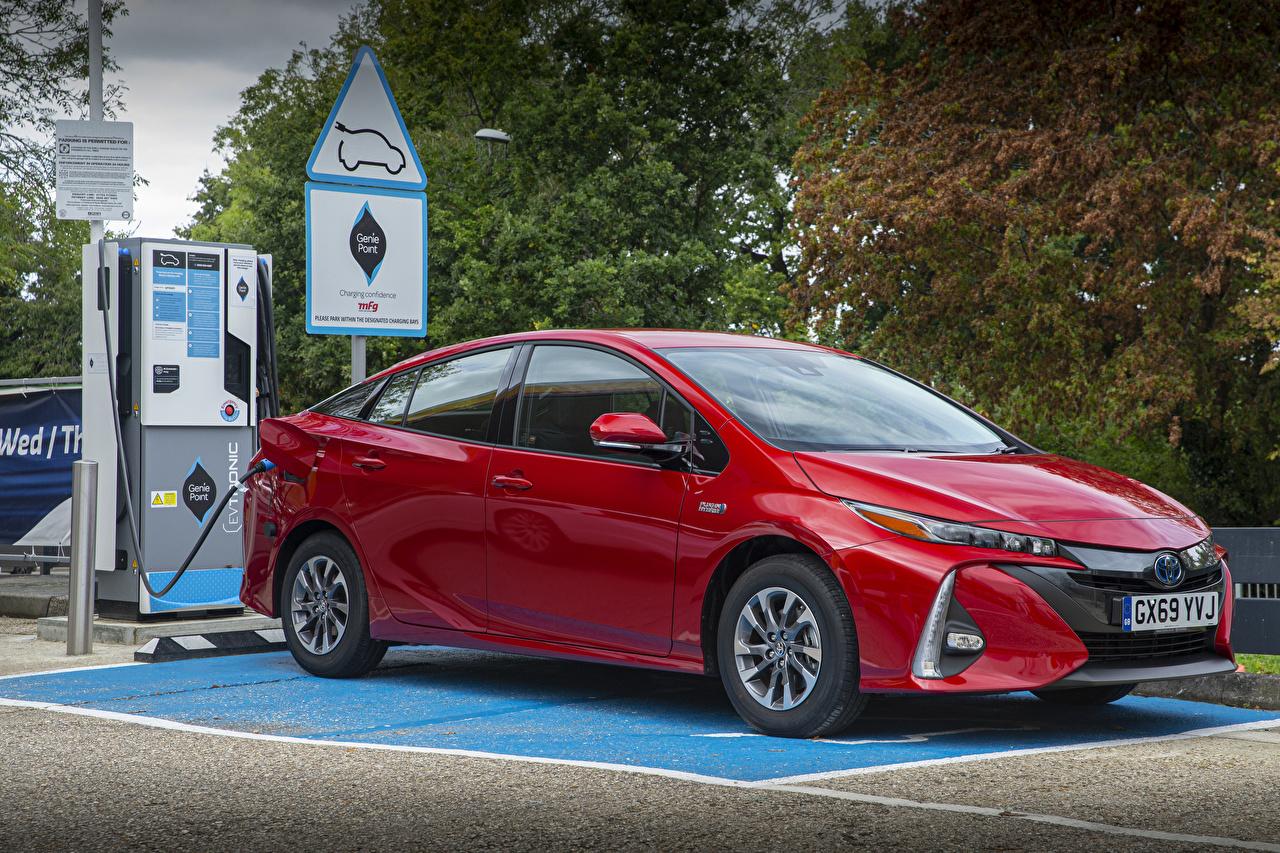 Bilder von Toyota 2019 Prius Plug-in Hybrid Business Edition Hybrid Autos Rot Autos Metallisch auto automobil